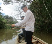036_piranha_fishing